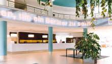 Hotellet er moderne indrettet og har 701 nyrenoverede værelser.