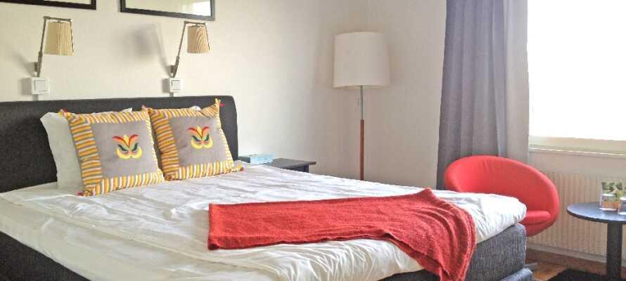 Hotellets hyggelige værelser sørger for, at I får et dejligt ophold og en god nattesøvn.