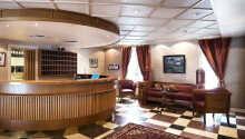 I hotellets reception finns personal på plats vid frågor och funderingar.