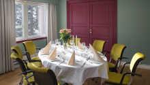 Der serveres også aftensmad på hotellet.