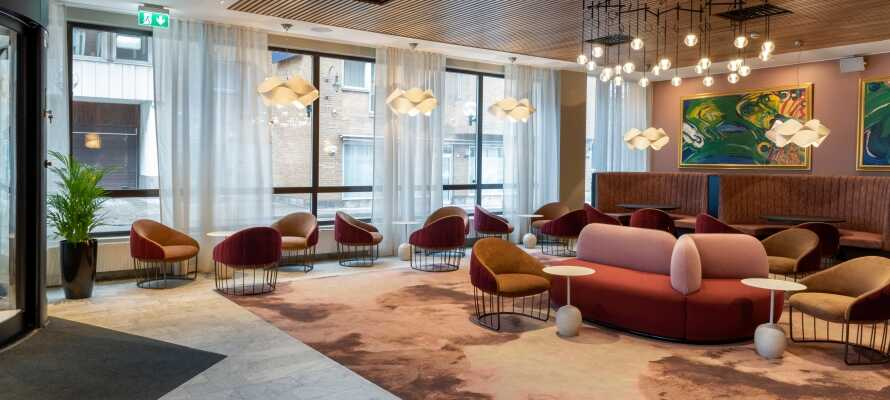 Njut av en avkopplande vistelse på det nyrenoverade och centralt belägna First Hotel Strand i Sundsvall.