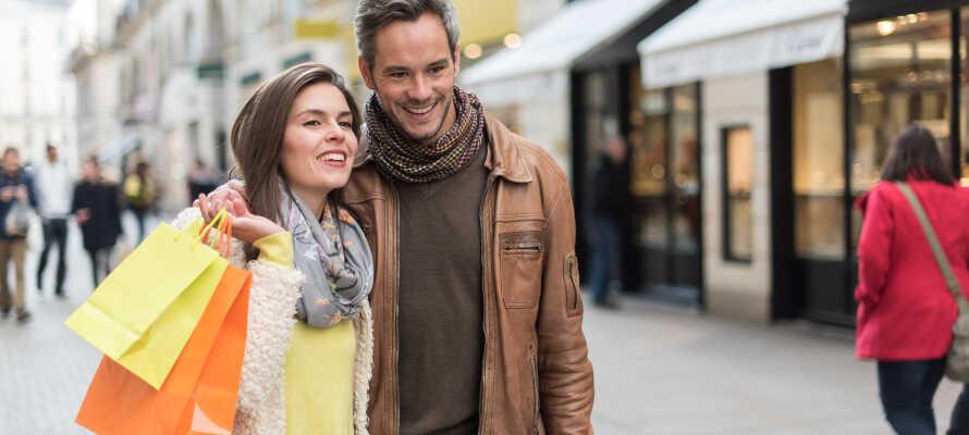 Odenses hyggelige gågater er rike på shopping- og kafeliv, og inviterer deg til hyggelige spaserturer