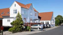 Der Bagenkop Kro heißt Sie zu einem traditionellen Gasthausaufenthalt auf Südlangeland willkommen.