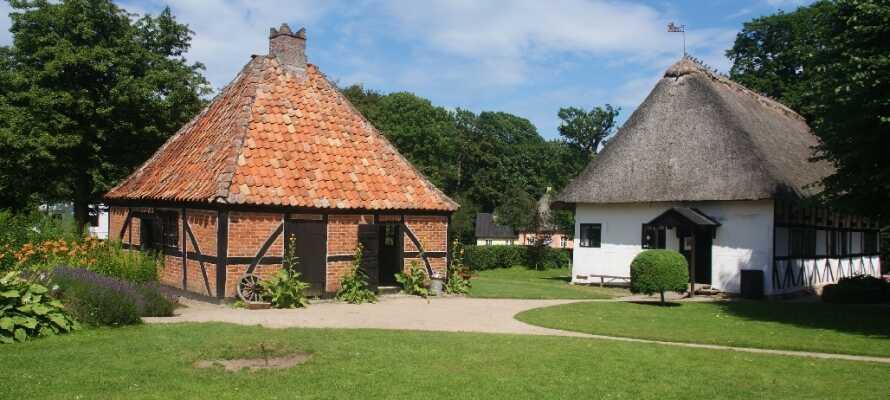 Der findes mange seværdigheder på Lolland. Besøg det historiske Frilandsmuseum, ikke langt fra hotellet.