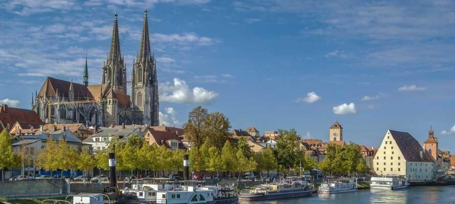 Missa inte att besöka Regensburgs imponerande domkyrka som ligger centralt i staden.