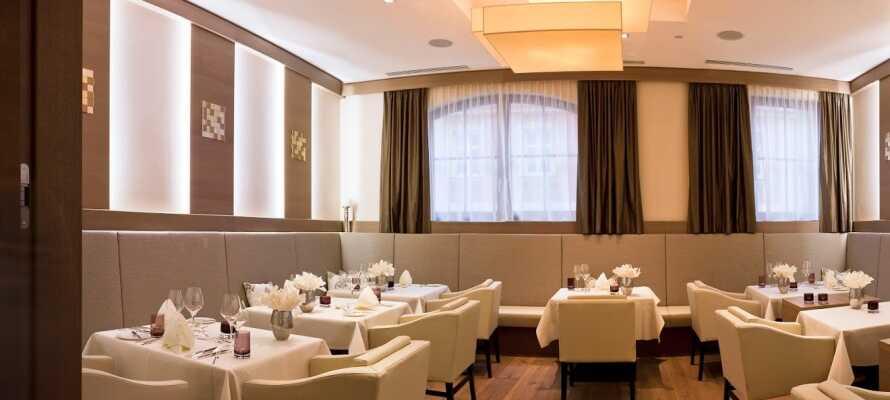 Hotellet har 2 restauranger som är öppna varje dag. Här hittar du både regionala och internationella rätter.