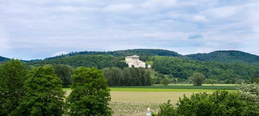 Besök templet Walhalla utanför staden Donaustauf som uppfördes av Kung Ludwig I av Bayern år 1842.