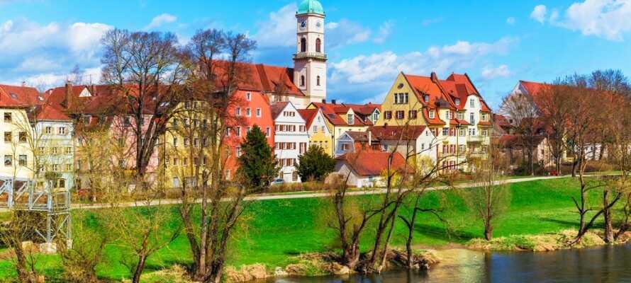 Regensburg finns med på UNESCOs världsarvslista och här kan ni promenera genom stadens vackra gamla stadsdel.