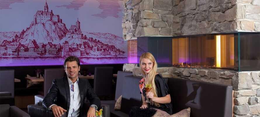 Hotellet har en trevlig bar där ni kan koppla av om kvällarna och avnjuta en sydtysk öl efter dagens upplevelser.
