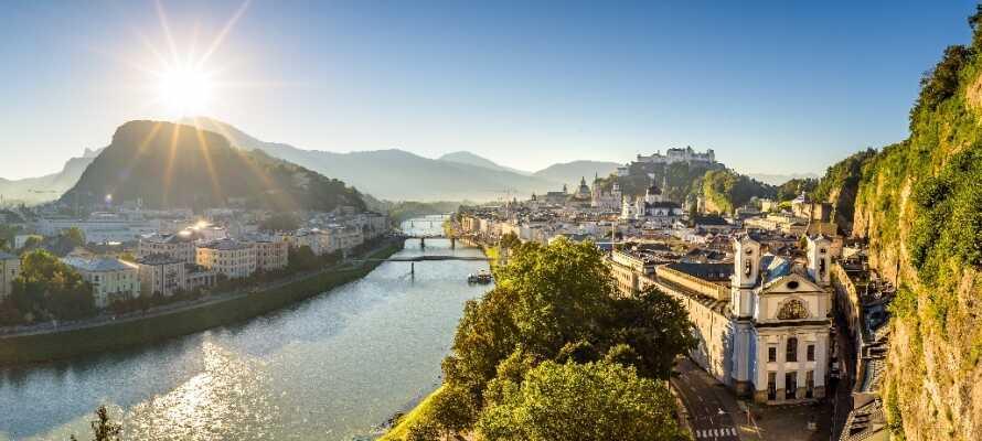 Storbyen Salzburg er en frisk køretur væk, og har masser af oplevelser at byde på.