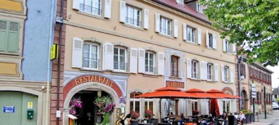Hotel Au Lion d'Or ligger i Alsace, i den lilla romantiska staden La Petite Pierre.