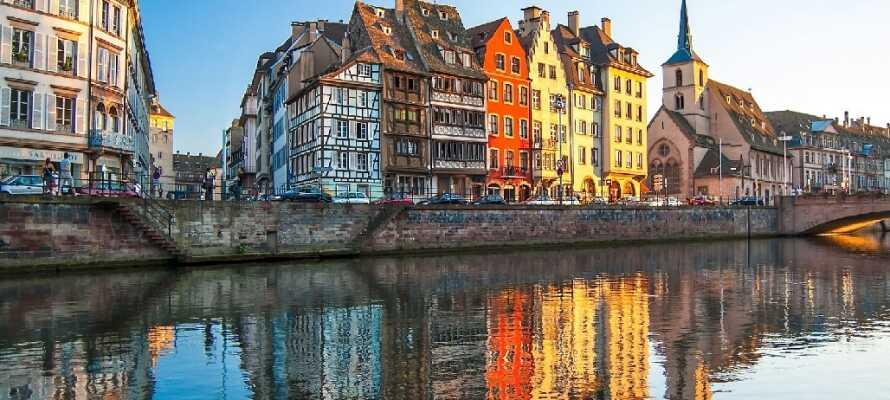 Tag på en udflugt til Strasbourg, ca. 90 km. fra hotellet. Her finder I mange fantastiske restauranter.