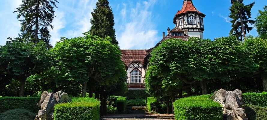 Besøg byen Mulhouse, som kombinerer nutidens med middelalderens miljø på en fin måde.