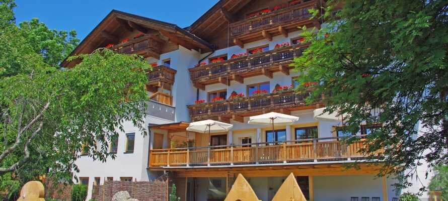 Machen Sie Urlaub im atemberaubenden Österreich und übernachten Sie in einem traditionellen Hotel.