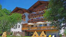 Det familjedrivna hotellet Vital Landhotel Pfleger ligger härligt placerat i österrikiska alperna.