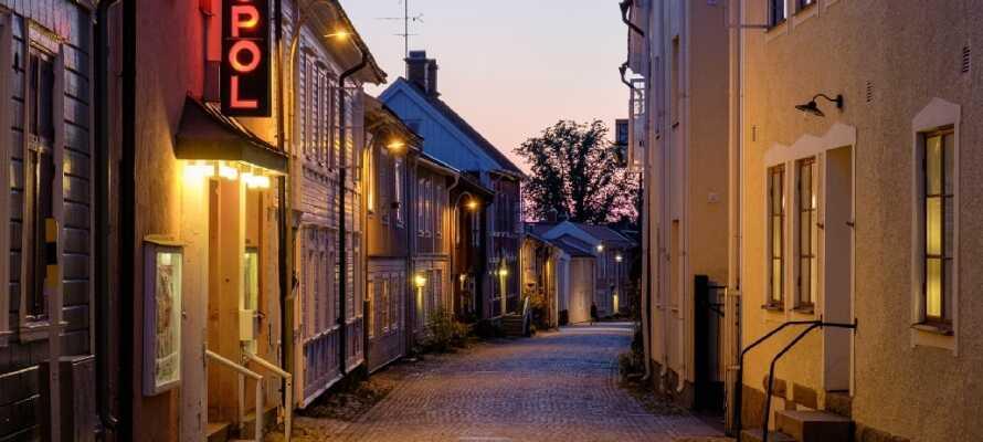 Tag på udflugt til byen Eksjö i det Smålandske Højland som byder på hyggelige gader, museer og gamle gårde.