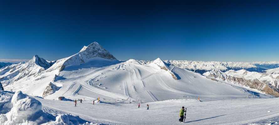 Das Zillertal bietet herrliche Skigebiete, wo Sie auf den vielen Pisten jede Menge Spaß haben können.