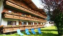 Hotellet ligger i naturskønne omgivelser i Aschau im Zillertal