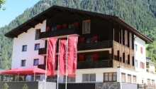 Hotellet ligger skønt i Montafon-dalen