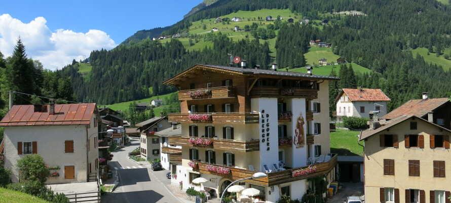 Det historiske Hotel Historic Digonera er familiedrevet siden 1938, og har en fantastisk beliggenhet i Dolomittene.