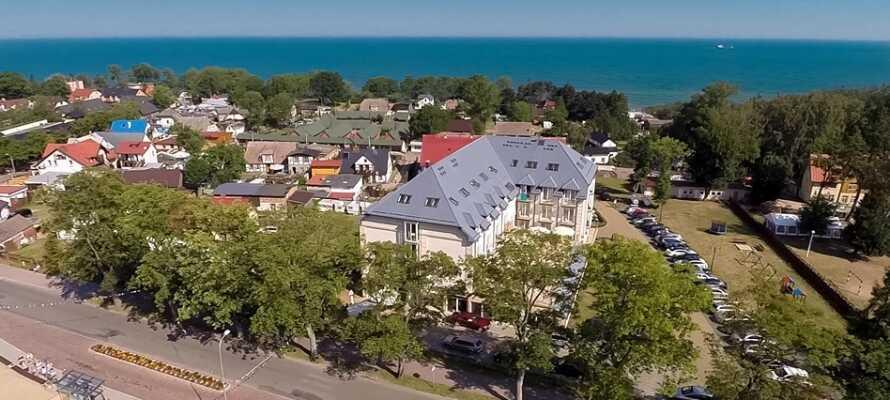 Król Plaza Spa er centralt beliggende i havnebyen Jarosławiec, tæt på restauranter, butikker og selvfølgelig havet.