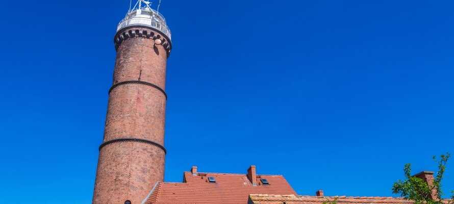 Gå en tur op i byen 33 meter høje fyrtårn, hvorfra I har en flot udsigt over byen og havet