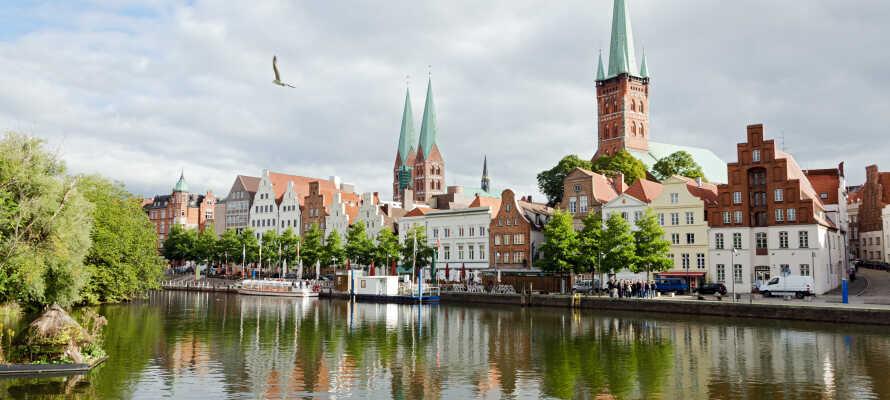 Besuchen Sie die Hansestadt Lübeck mit der schönen Altstadt, die auf der Welterbe-Liste der UNESCO steht.