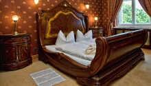Exempel på ett av de lyxiga slottsrummen där ni erbjuds god sömn.