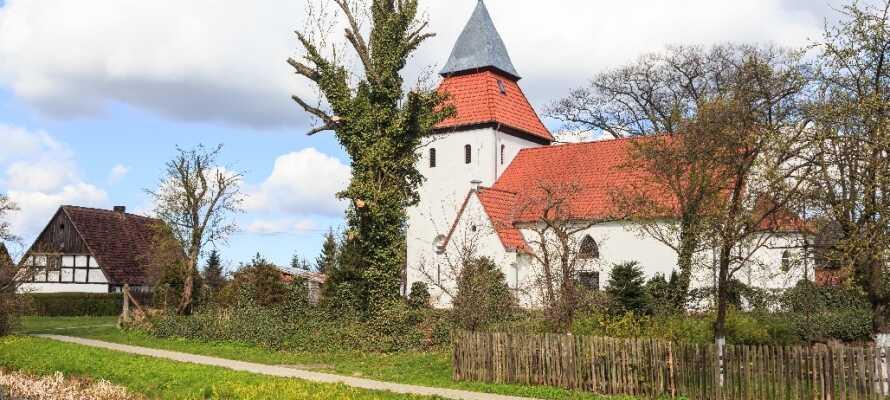 Tag til Swolowo, hvor I kan beundre de traditionelle pommerske bindingsværkshuse og se den berømte kirke i Wielin.