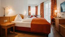 Hotellets værelser tilbyder hyggelige og komfortable rammer under opholdet.