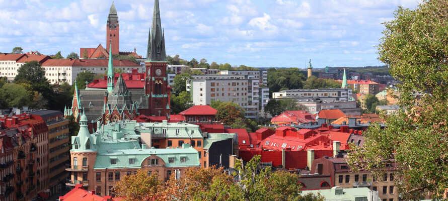 Från hotellet tar ni er enkelt runt i staden med spårvagn till bland annat Göteborgsoperan, Liseberg, Svenska Mässan och Världskulturmuseet.