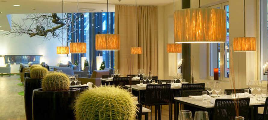 Genießen Sie im Hotel gutes Essen und Trinken sowie die Fitnesseinrichtung und den Entspannungsbereich mit Sauna.