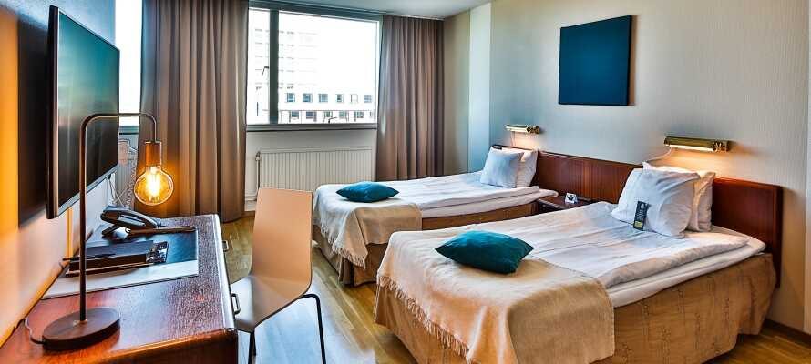 De fina och bekvämt inredda rummen bjuder på en rymlig komfort och fungerar som en bra bas.