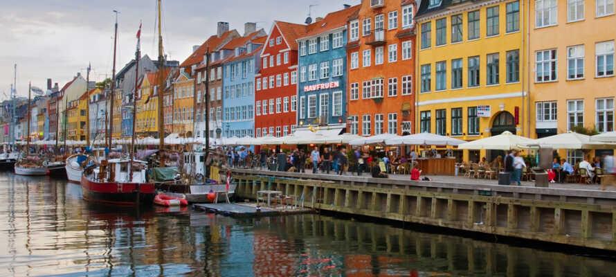 Varför inte kombinera er vistelse med en tur till Köpenhamn som ni når snabbt och smidigt från Malmö.