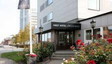 Varmt välkomna till First Hotel Jörgen Kock och centrala Malmö.