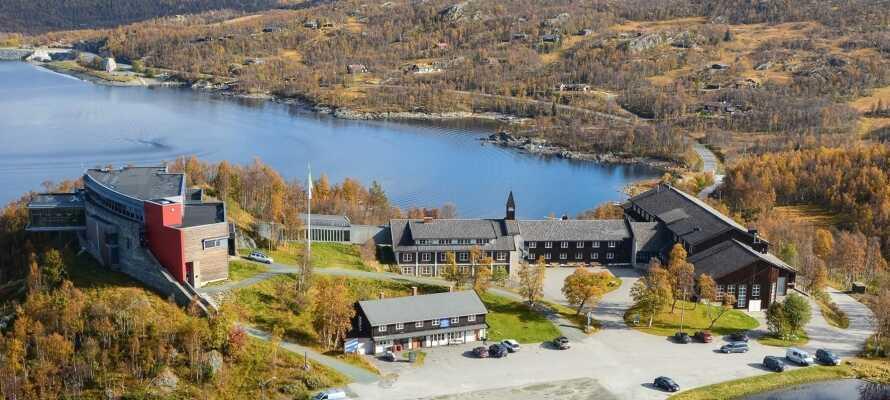 Velkommen til Skinnarbu Nasjonalparkhotell, som ligger i naturskjønne omgivelser.