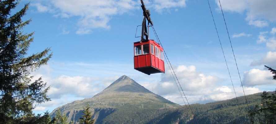 Die Bergbahn ist Nordeuropas erste Seilbahn und bringt Sie bis zum Fuße der Hardangervidda.