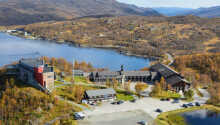 Skinnarbu Nasjonalparkhotell är vackert beläget nära Hardangervidda nationalpark.