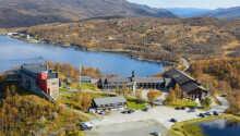 Hotellet ligger i smukke omgivelser ved nationalparken