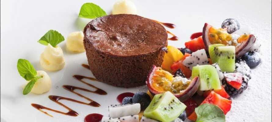 Das Hotelrestaurant serviert traditionelle italienische Gerichte und süße Desserts.