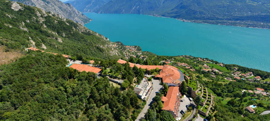 Hotel Le Balze ligger på toppen af Tremosine sul Garda med betagende udsigt over Gardasøen.