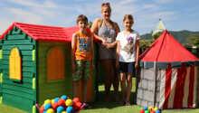 I sommersæsonen er der åbent for hotellets børneklub