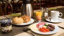 Starten Sie mit einem schönen Frühstücksbuffet in gemütlicher Atmosphäre gut in den Tag