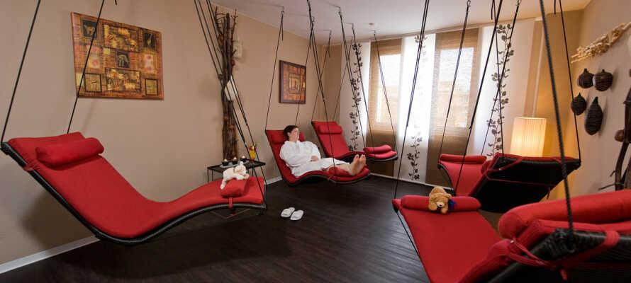 Pure Entspannung bietet der hoteleigene Wellnessbereich.