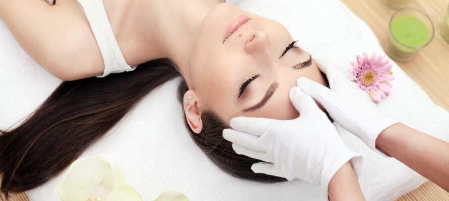 Hotellet erbjuder massage och skönhetsbehandlingar så här kan ni slappna av och ladda batterierna.