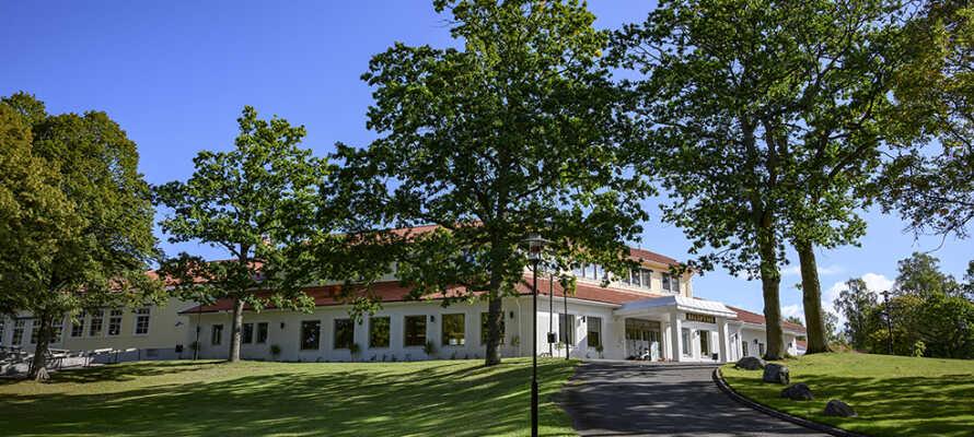Lundsbrunn Resort & Spa ligger i landlige omgivelser i den lille svenske kurby, Lundsbrunn, i Västra Götaland.
