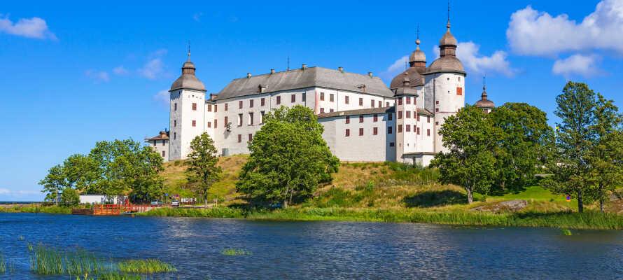 Oplev det charmerende Läckö Slott, som ligger direkte ud til Vänern-søen.