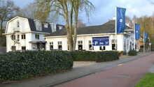 Hotel Het Witte Huis ligger i et roligt og smukt område tæt på både natur og by.