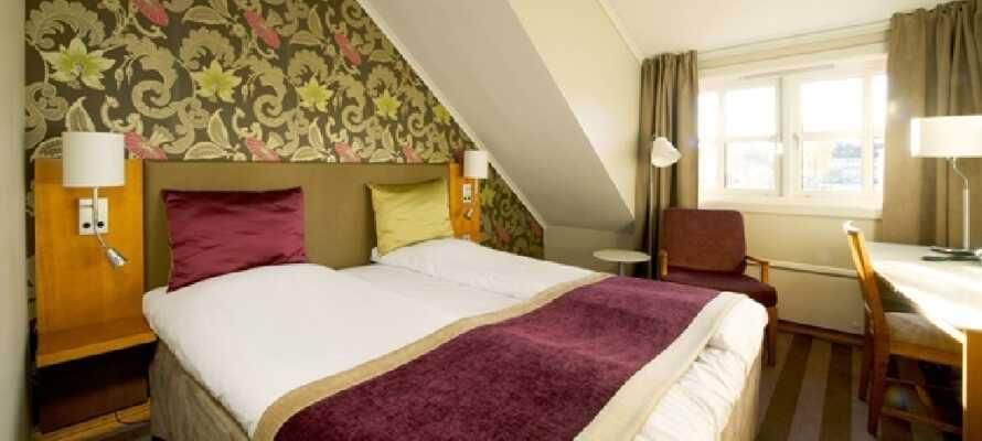 Et eksempel på et af hotellets dobbeltværelser. Her er det godt at slå sig ned efter en lang rejse.