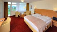 Här blir ni inkvarterade i trivsamma hotellrum.